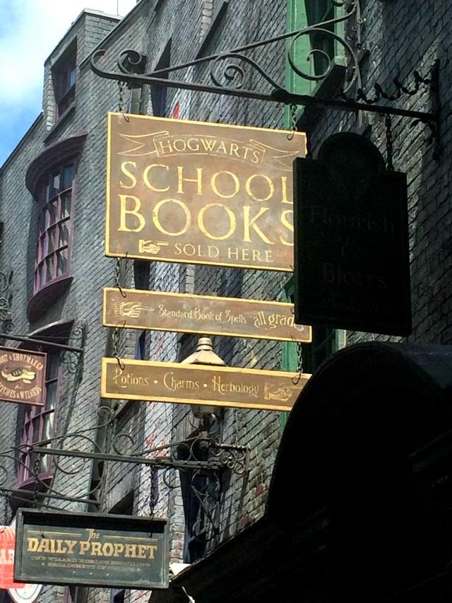 Flourish Blotts at Harry Potter World